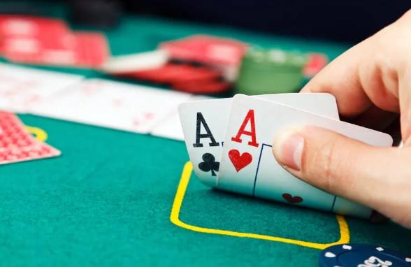 สอนให้คุณใช้บัตรเครดิตเพื่อเล่นการพนันและปัดคะแนนของคุณ